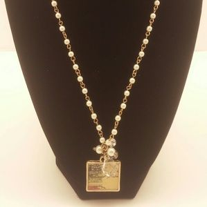 Jewelry - Necklace gold and pearl with charm (2)